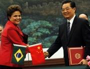 5-2011-brasil-e-china-assinam-20-acordos-entre-os-quais-investimentos-chineses-em-c3a1reas-relacionadas-aos-megaeventos-copa-e-olimpc3adadas-e-instalac3a7c3a3o-de-fc3a1bricas-como-a-estat